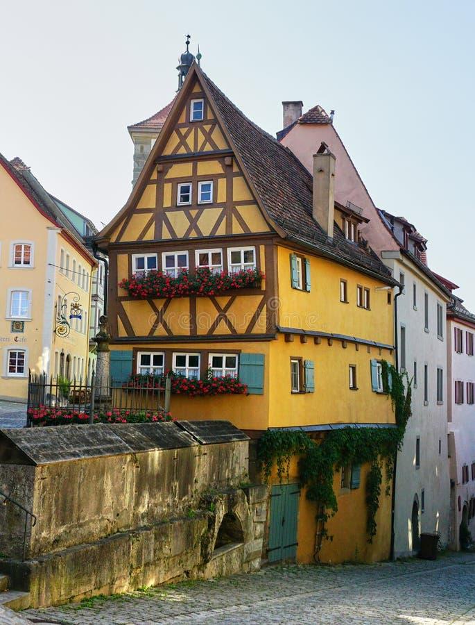 Beroemd Plonlein-Huis in Rothenburg, Duitsland - Augustus 2016 royalty-vrije stock foto's