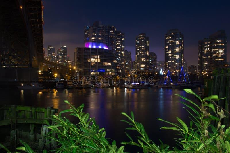 Beroemd Vancouver van de binnenstad bij schemering stock afbeelding
