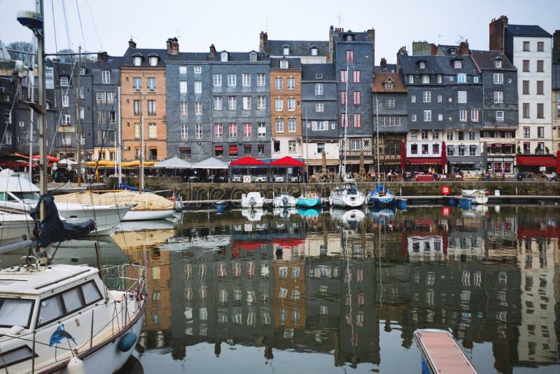 Beroemde Franse stad Honfleur stock afbeelding