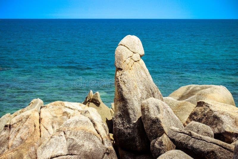 Beroemde Grootvaderrots op Lamai-Strand Koh Samui stock foto