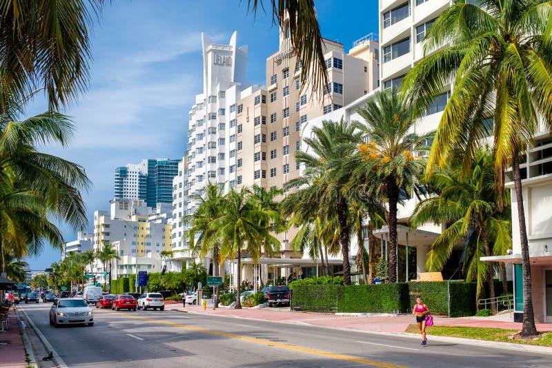 Beroemde hotels in Collins Avenue in het Strand van Miami royalty-vrije stock foto's