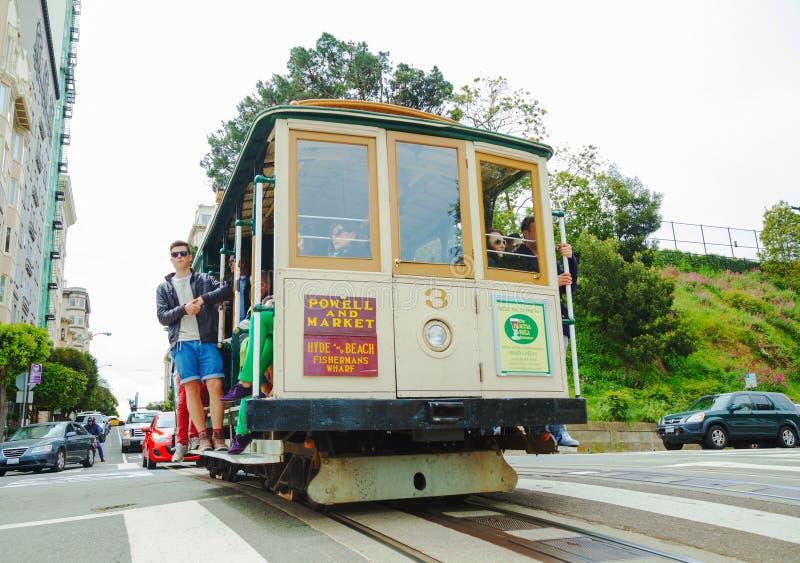 Beroemde kabelwagen bij een steile straat royalty-vrije stock foto