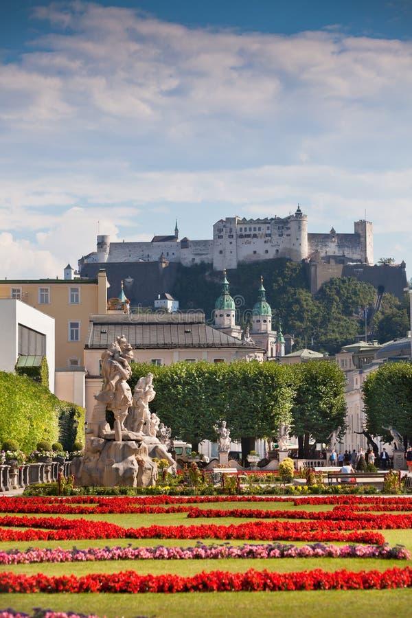 Beroemde Mirabell-Tuinmening in Salzburg, Oostenrijk royalty-vrije stock afbeeldingen