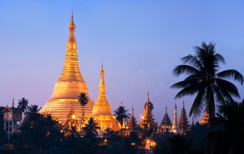 Beroemde Shwedagon-Pagode in Yangon, Myanmar royalty-vrije stock fotografie