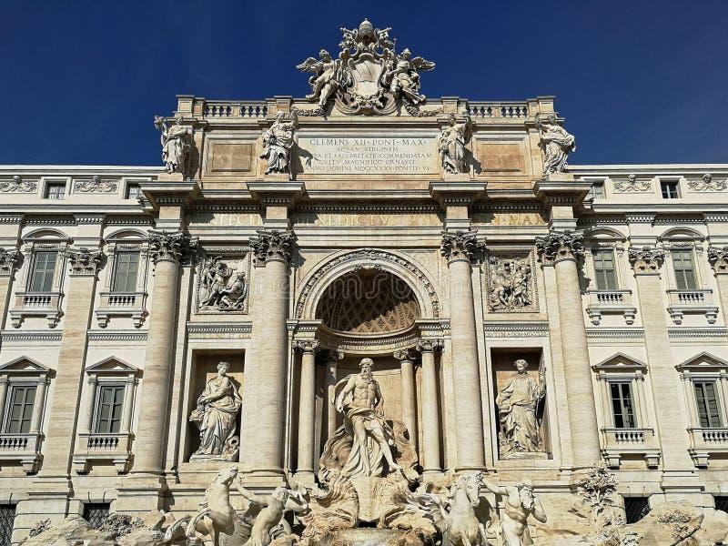 Beroemde Trevi fontein in Rome, Italië royalty-vrije stock afbeeldingen