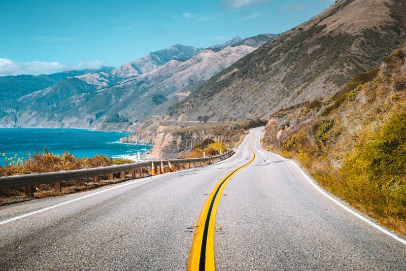 Beroemde Weg 1 bij Big Sur, de Centrale Kust van Californië, de V.S. royalty-vrije stock afbeeldingen