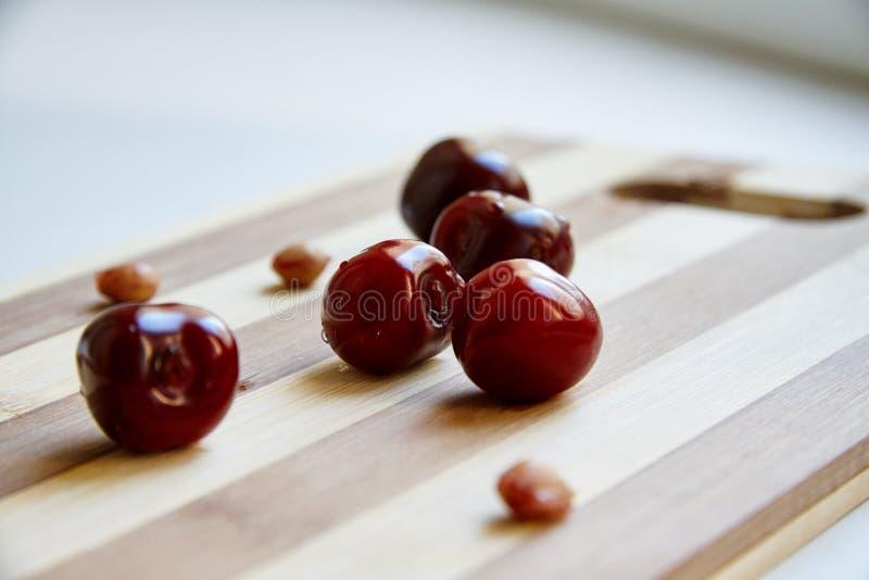 Download Berryes della ciliegia immagine stock. Immagine di bacca - 55357531