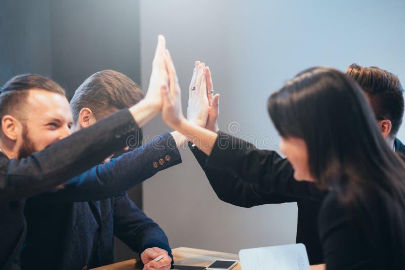 Berufsteam der erfolgreichen Teamwork-Zusammenarbeit stockfoto