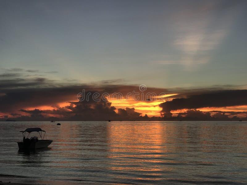 Beruhigende Sonnenuntergangansicht lizenzfreie stockfotografie