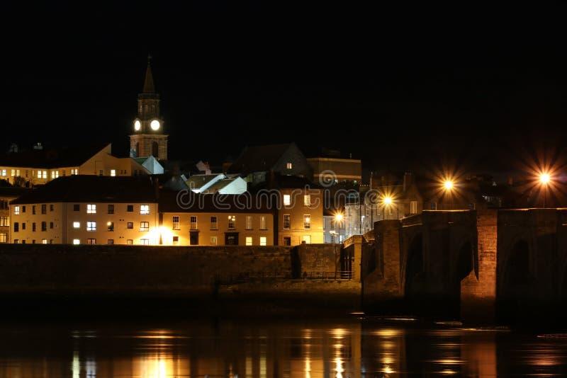 Berwick-em cima-mistura de lã, ponte velha e mistura de lã Reino Unido do rio imagem de stock royalty free