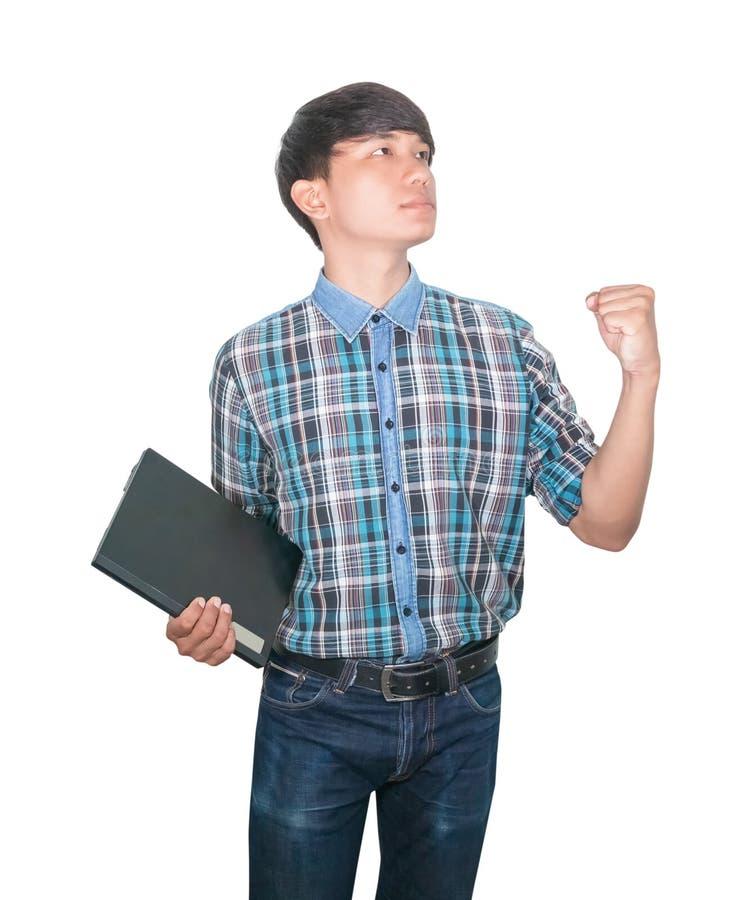 ?berzeugtes junges des Gesch?ftsmannes unter Verwendung des Computerlaptops und der angehobenen Hand auf wei?em Hintergrund stockbilder