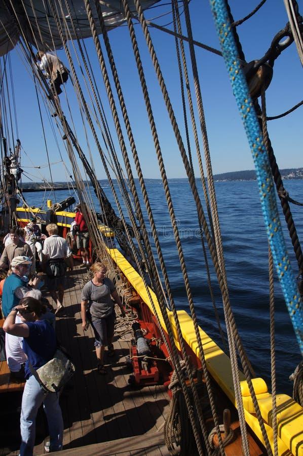 Besättningen ställer in seglar av damen Washington arkivfoton