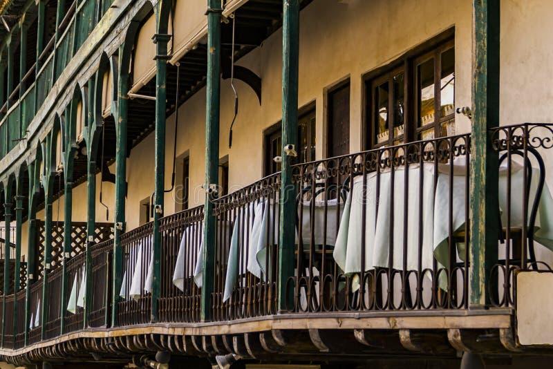 Besök till den medeltida staden av Chinchon, Madrid, Spanien arkivbild