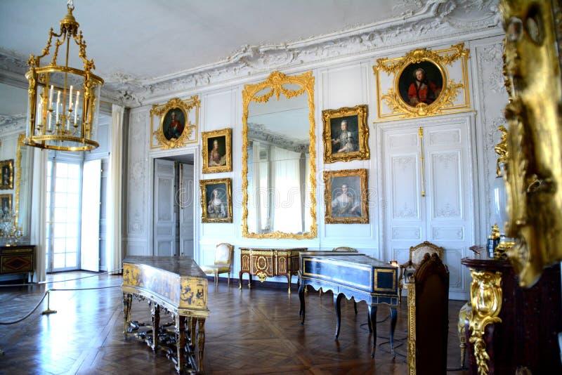 Besök till Petit Trianon, Versailles royaltyfri bild