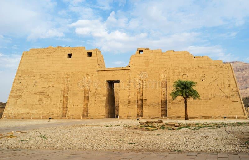 Besöka den Theban nekropolen fotografering för bildbyråer