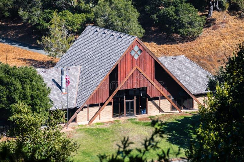 Besökaremittbyggnaden i Palo Alto Foothills Park royaltyfri bild