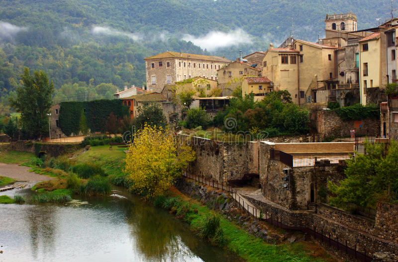 besalu卡塔龙尼亚中世纪西班牙城镇 免版税库存照片