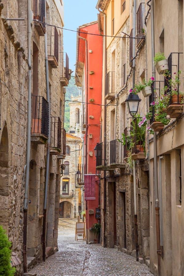 Besalu gata Spanien arkivfoton