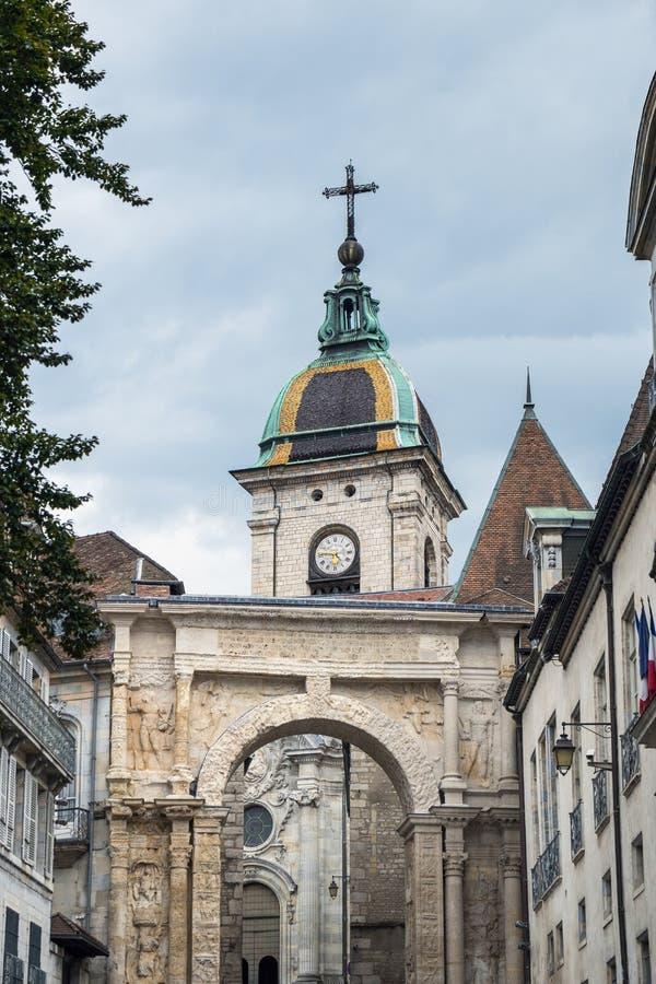 BESANCON/FRANCE - 13 DE SEPTIEMBRE: Vista de la catedral de St Jea fotografía de archivo libre de regalías