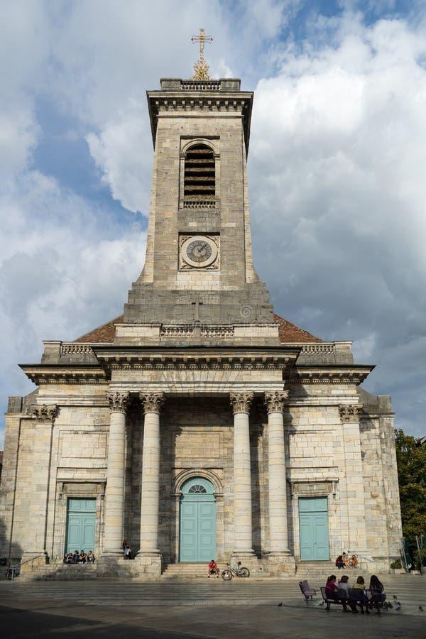 BESANCONS, FRANCE/EUROPE - 13 DE SEPTIEMBRE: Iglesia de San Pedro adentro imagen de archivo