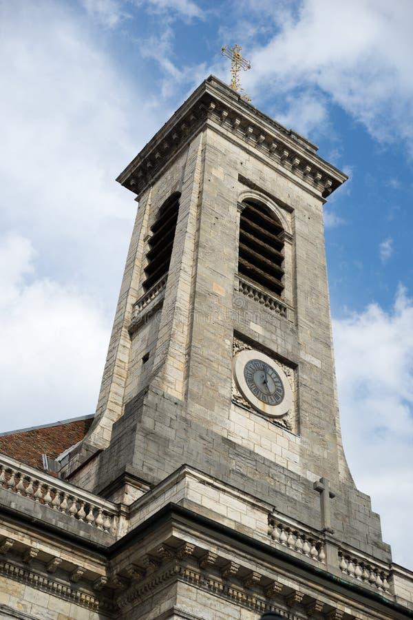 BESANCONS, FRANCE/EUROPE - 13 DE SETEMBRO: Igreja de St Peter dentro imagens de stock