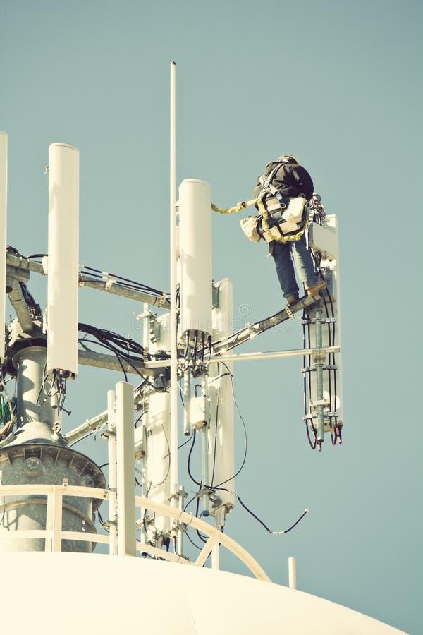 Besatzung, die an dem Zellenkontrollturm arbeitet stockbilder