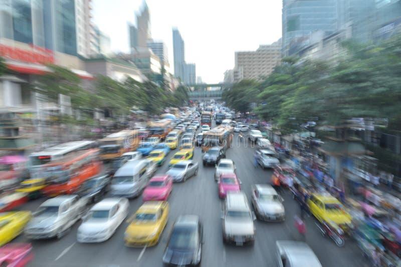 Beschäftigter Tag in Bangkok-Straße lizenzfreies stockbild