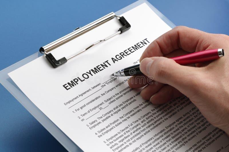 Beschäftigungvereinbarungsvertrag lizenzfreie stockfotografie