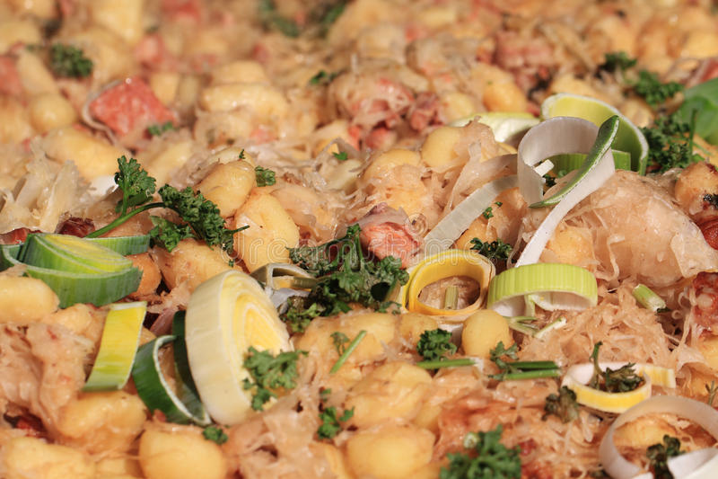 Beschaffenheit Bryndza-Gnocchi (nationales Lebensmittel Slowakei) lizenzfreie stockfotografie