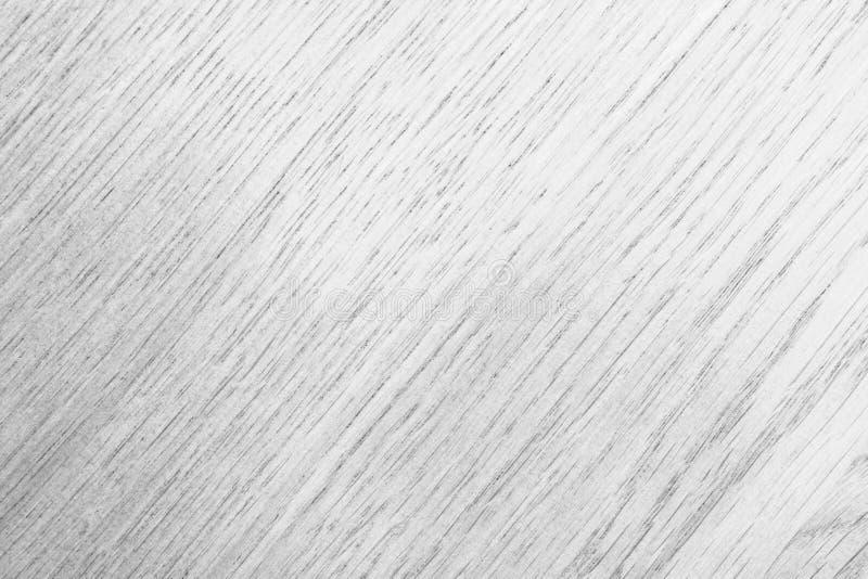 Beschaffenheit eines glatten Baums in den grauen Tönen mit einer diagonalen Anordnung für eine Zeichnung, abstrakter Hintergrund stockfotografie