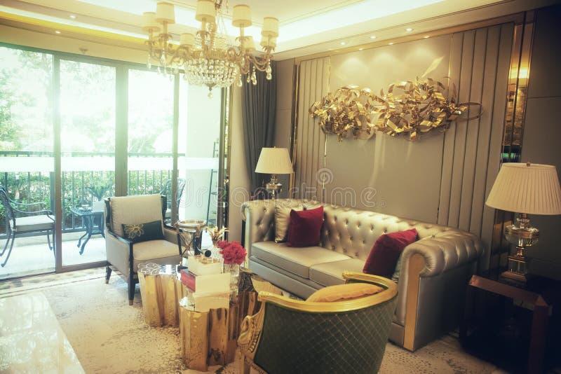 Bescheiden luxewoonkamer stock fotografie