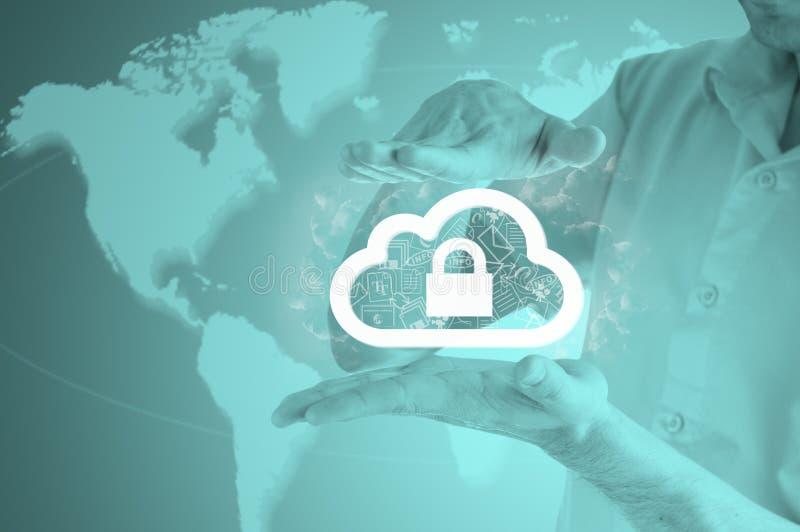 Bescherm de gegevensconcept van de wolkeninformatie Veiligheid en veiligheid van wolk gegevensverwerking royalty-vrije stock foto's