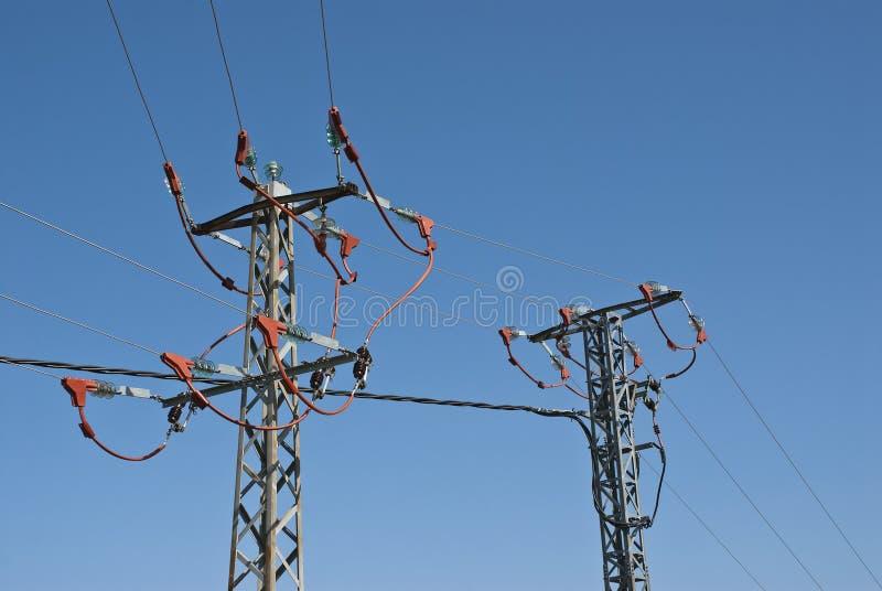 Beschermde kabels om elektrocutie te verhinderen royalty-vrije stock foto