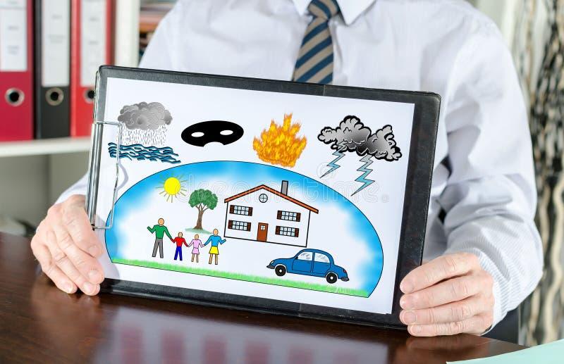 Bescherming tegen schadeconcept op een klembord stock foto