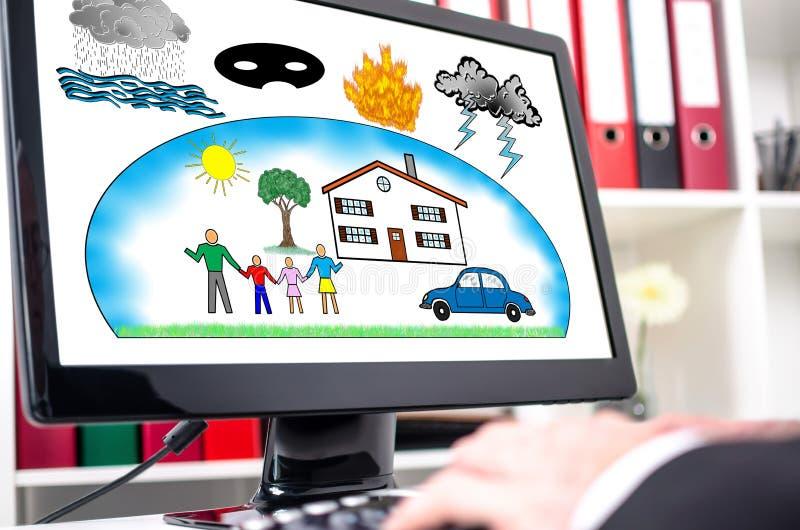 Bescherming tegen schadeconcept op het computerscherm royalty-vrije stock foto