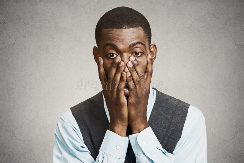 Besegrad stressad ung affärsman arkivfoton