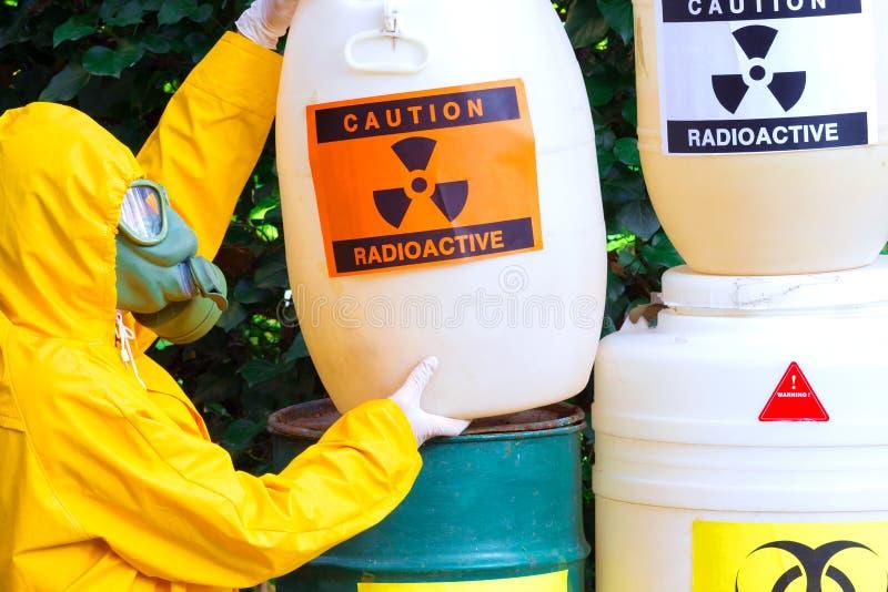 Beseitigung von Radioactiveabfall lizenzfreie stockfotografie