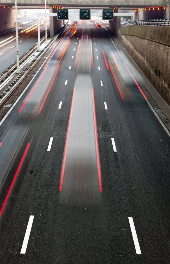 Besetzte Autobahn lizenzfreies stockbild