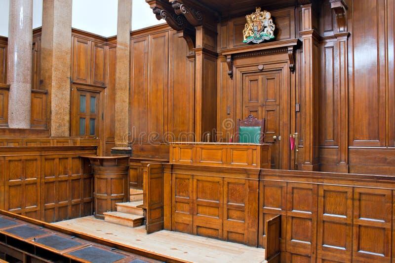 Beskåda av Crown St Georges Hall, Liverpool, UK för insida för domstolrum royaltyfria foton