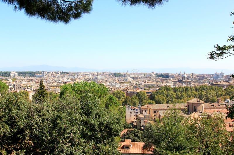 Beskåda på Rome från Passeggiataen di Gianicolo, Lazio arkivbilder