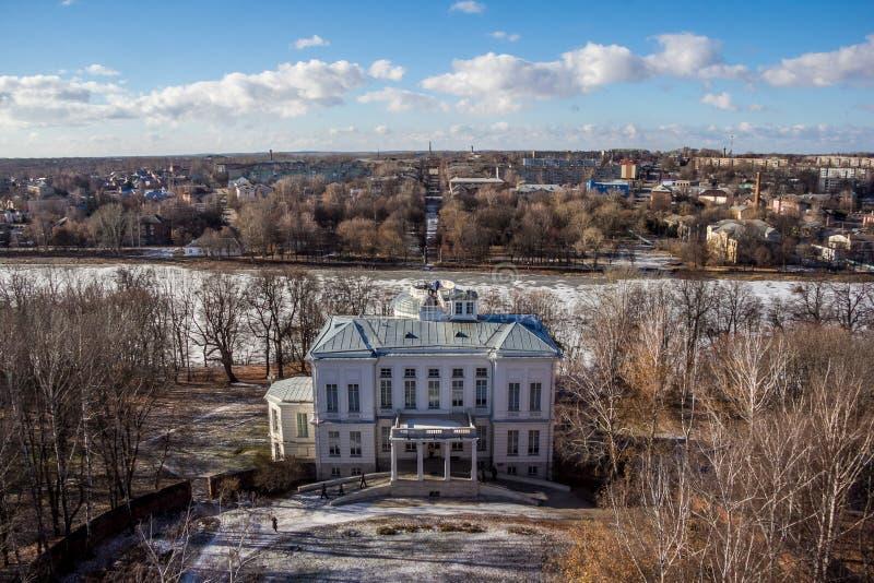 Beskåda uppifrån av den Bogoroditsky slotten, säterigods av greven Bobrinsky, den Tula regionen arkivbild