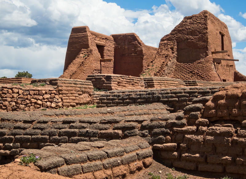 Beskickningkyrka, Pecos-Pueblo royaltyfri bild