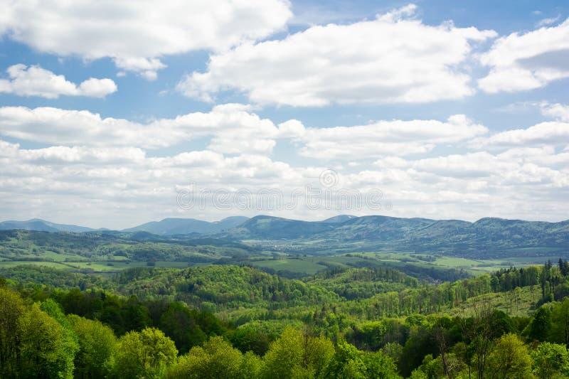 Beskids, paisaje con las colinas fotos de archivo