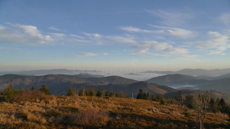 Beskydy山的山景在日出的 库存图片