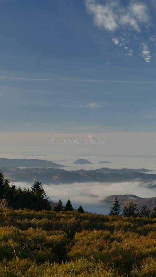 Beskydy山的山景在日出的 免版税库存图片