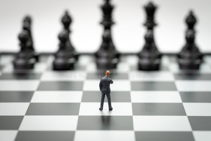 Beslutsfattande eller ledarskap i begreppet för affärsstrategi, brav royaltyfri fotografi