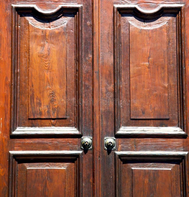 besnate Lombardia di legno chiusa arrugginita astratta Italia Varese fotografie stock