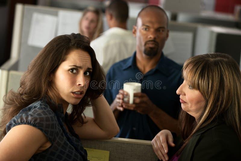 Besorgter Büroangestellter stockfotos
