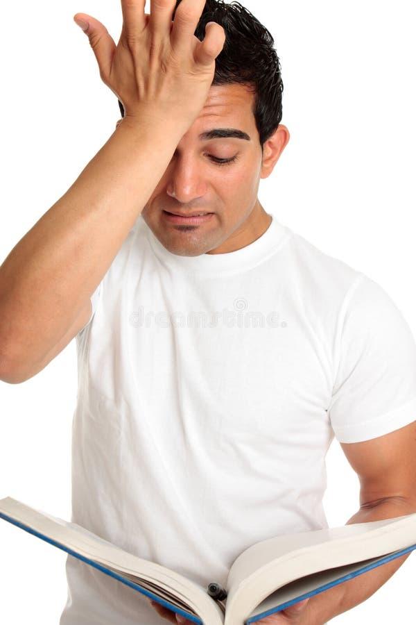 Besorgter betonter frustrierter studierender Kursteilnehmer lizenzfreie stockfotos