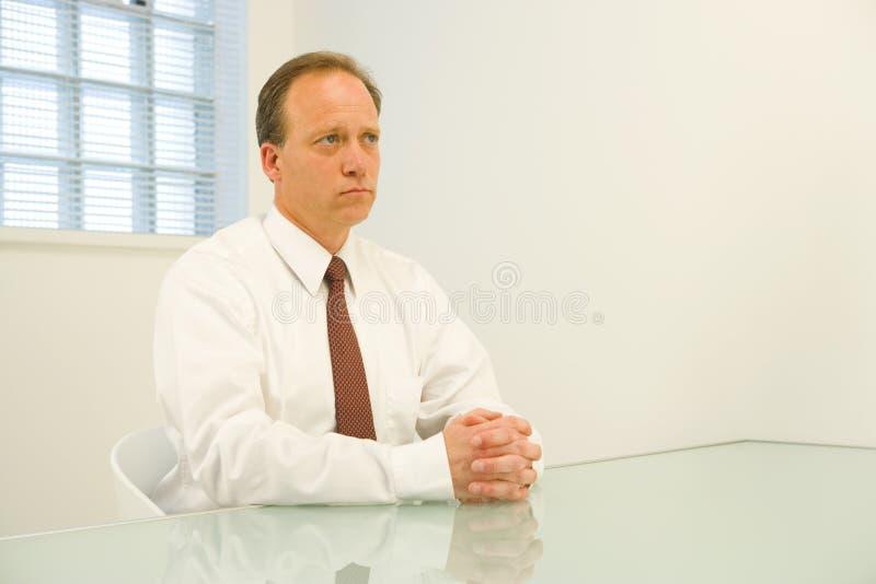 Besorgter Geschäftsmann lizenzfreie stockfotografie
